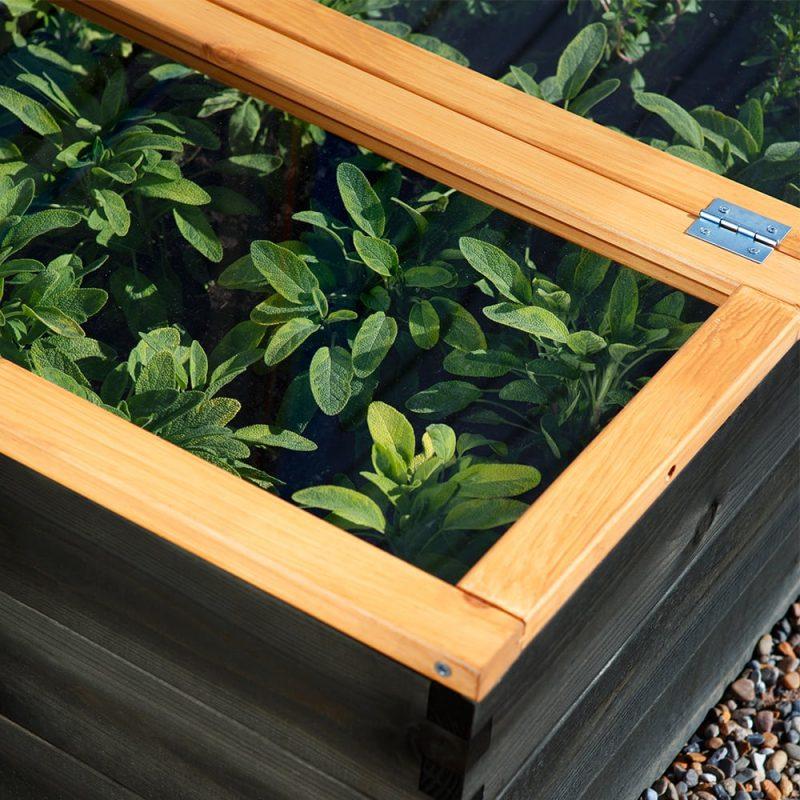 Kekkilä Viljelykansi suojaa kasveja kylmyydeltä, tuholaisilta ja muilta haitoilta