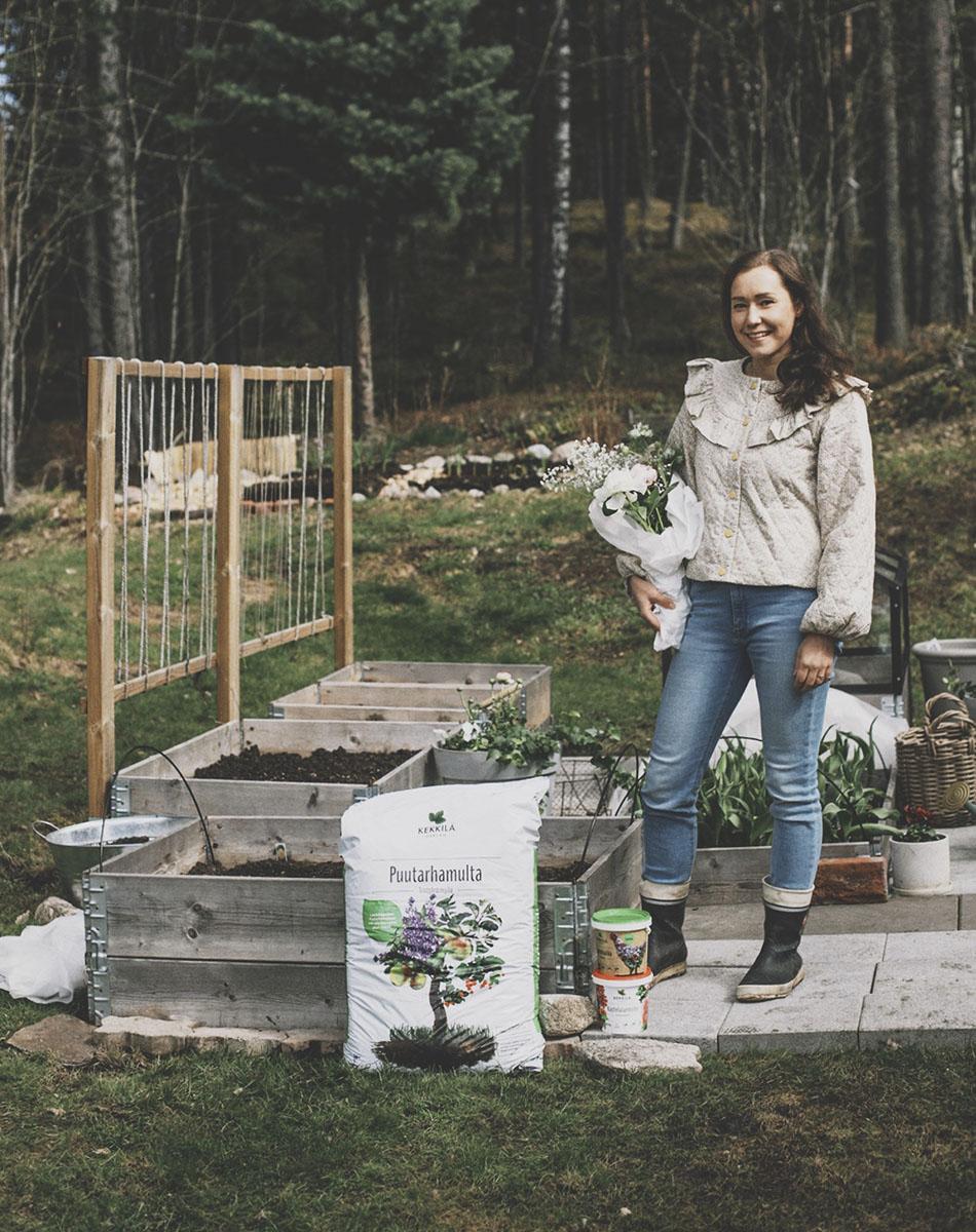 Leikkokukkien kasvatus puutarhamulta kukkakimppu