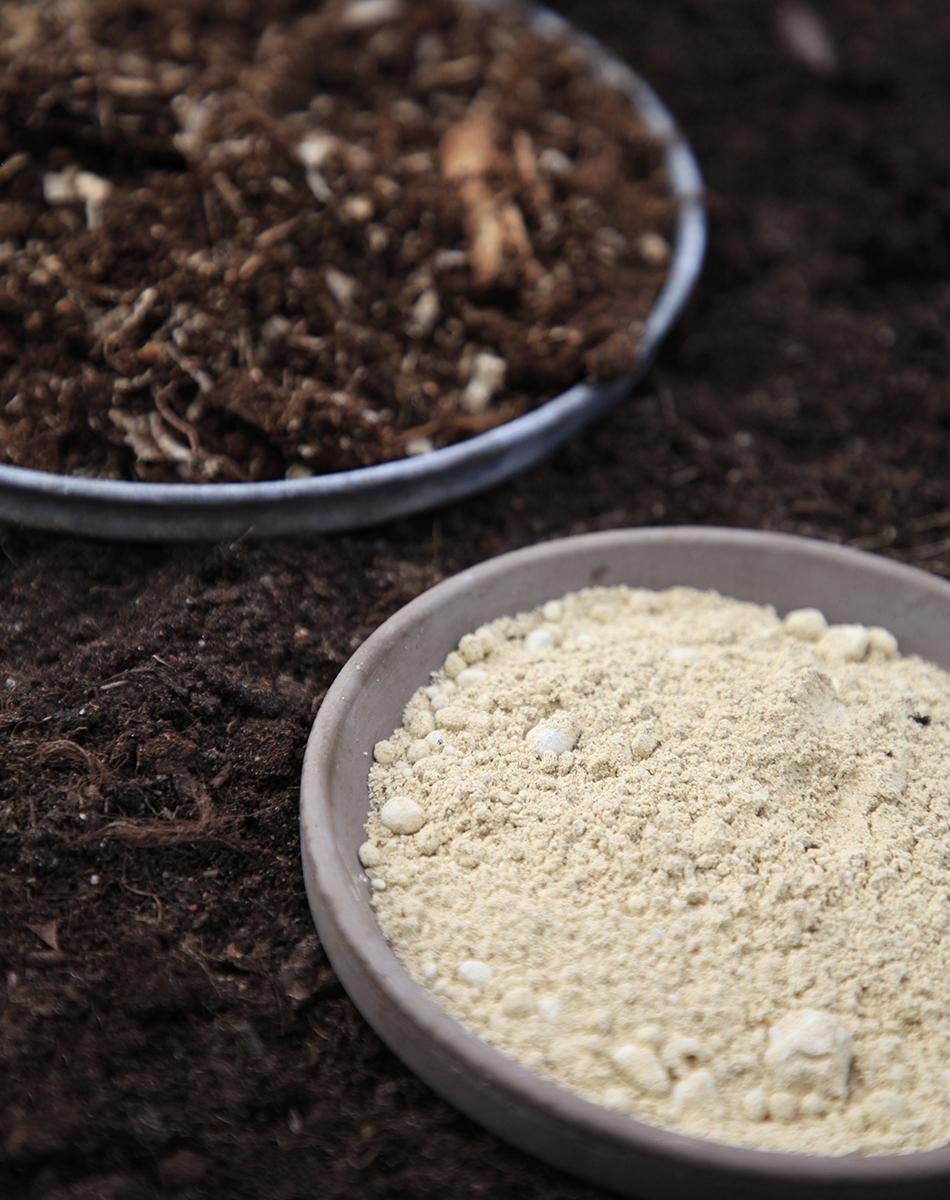 Kompostivirkiste ja kompostikuivike Kekkilä